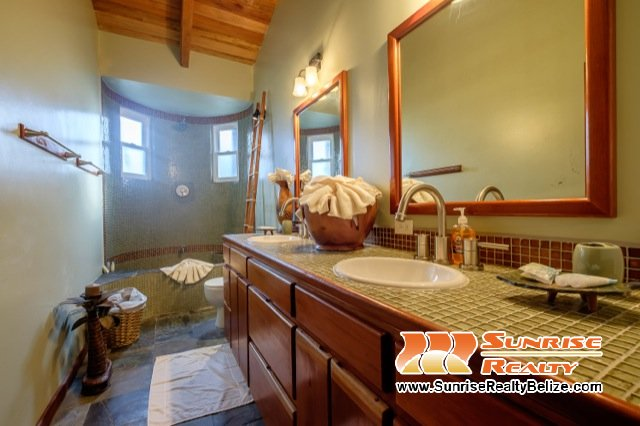 Solaria-Villa-II-Belize-Vacation-Rental-Third-Bath