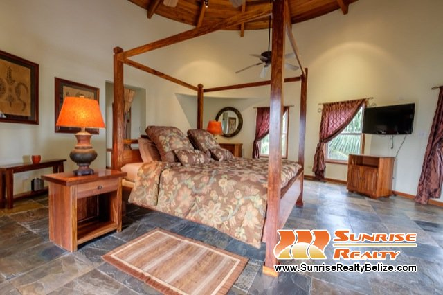 Solaria-Villa-II-Belize-Vacation-Rental-Third-Bedroom-2